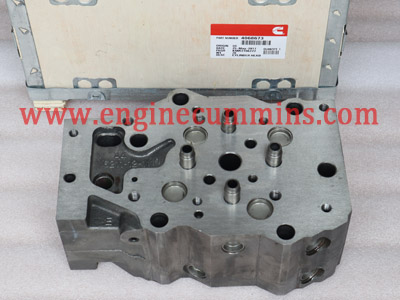 Cummins QST30 Cylinder head 4068672